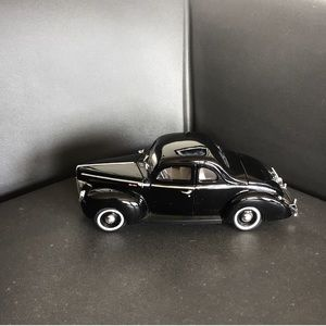 CAR collectible black ford old